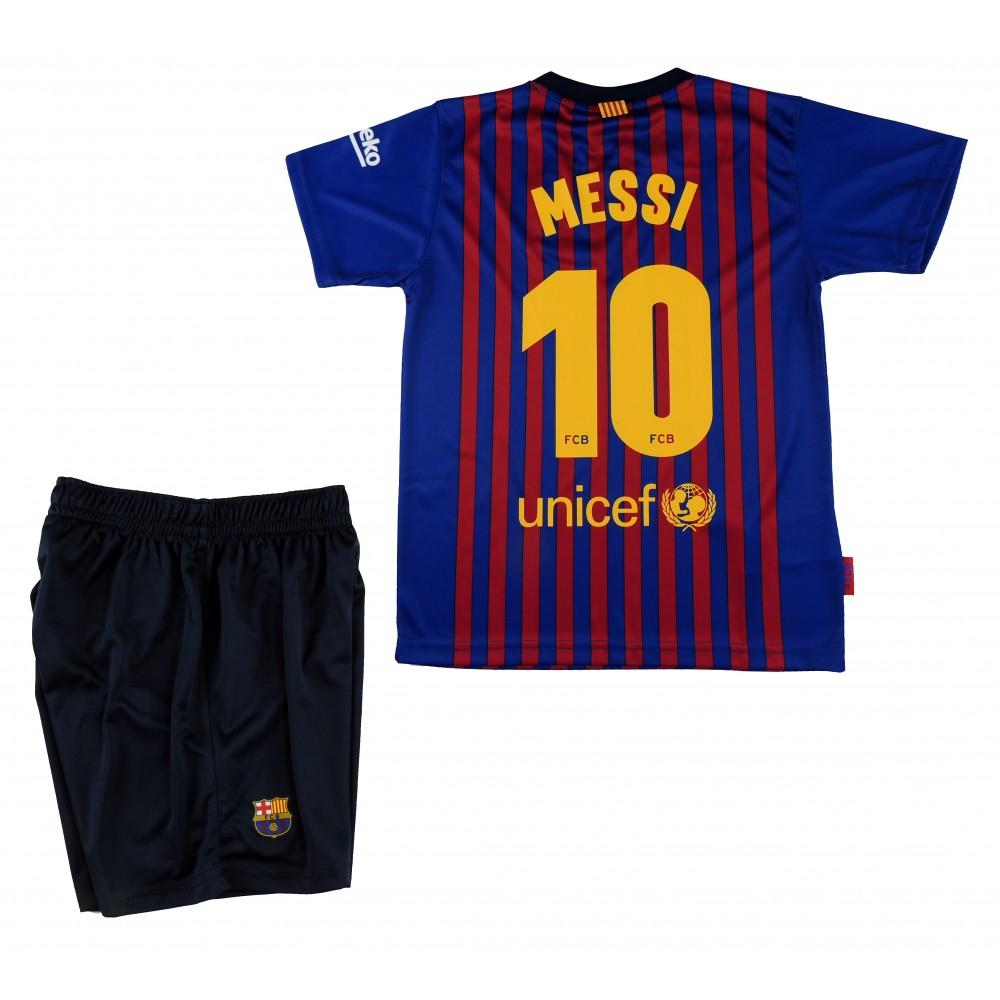 Messi Réplica Oficial del FC Barcelona Temporada 2018-19. Está compuesta  por la camiseta y los pantalones. Este producto es una Réplica Oficial o  Producto ... cd220c0785e